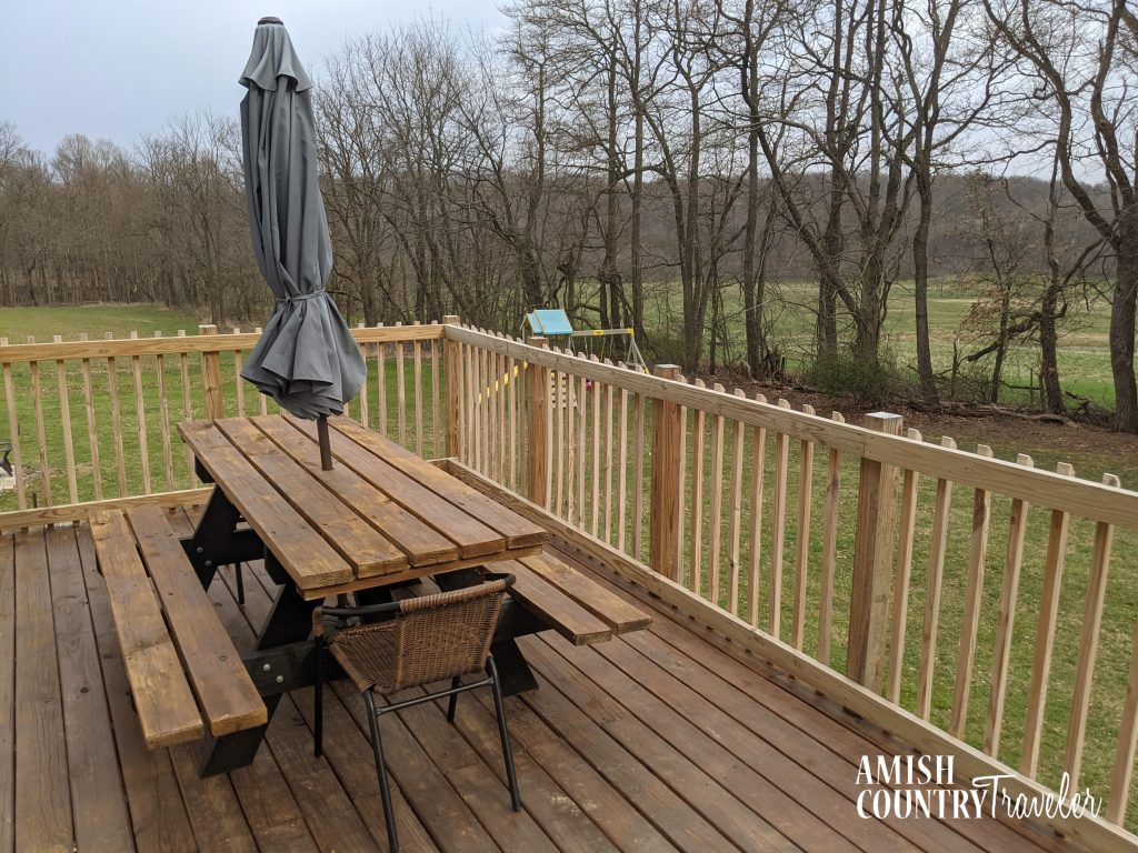 Outdoor area at The Bluebird Cottage - cabin in Western Holmes County